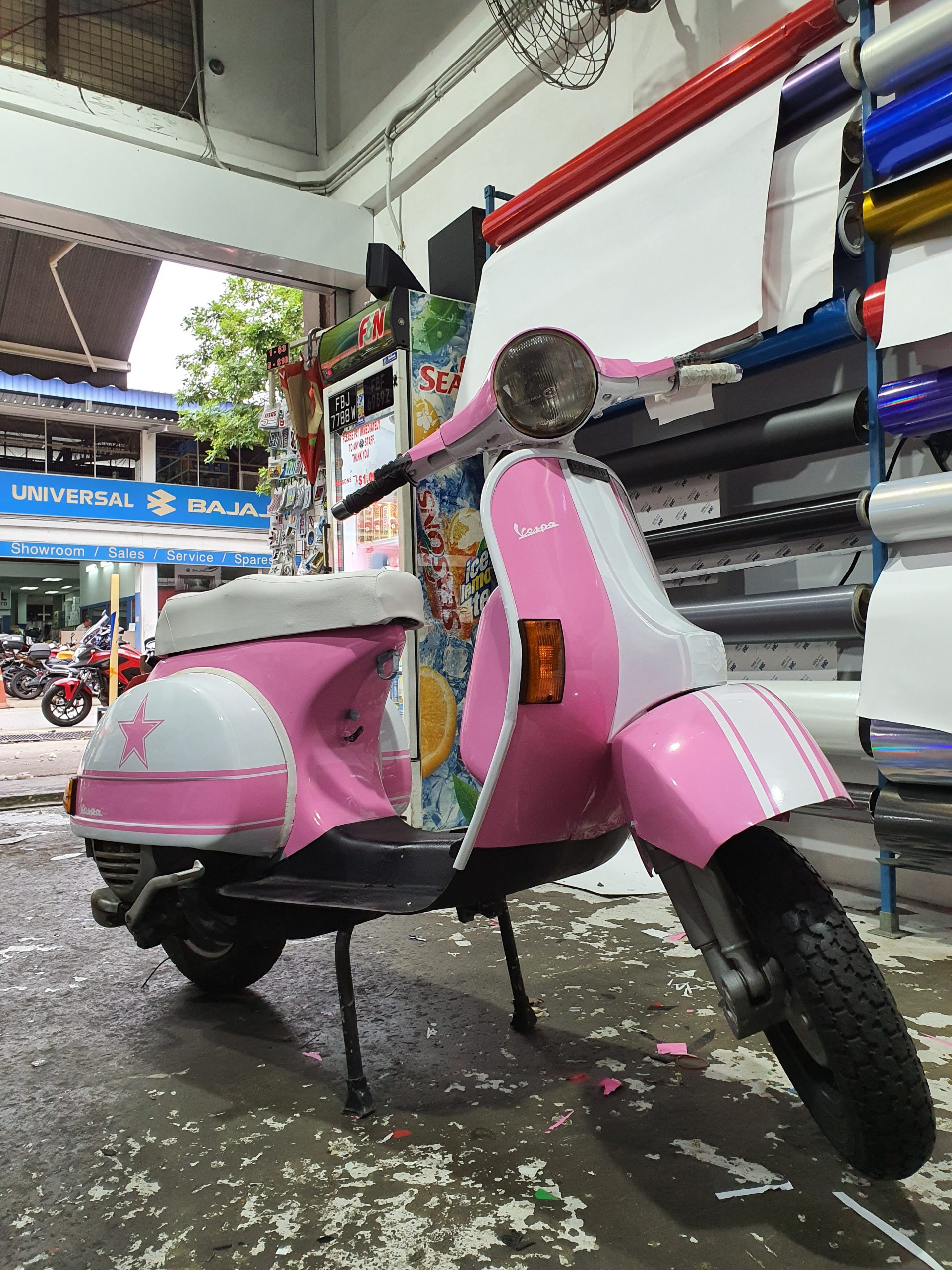Classic Vespa PX125 Pink