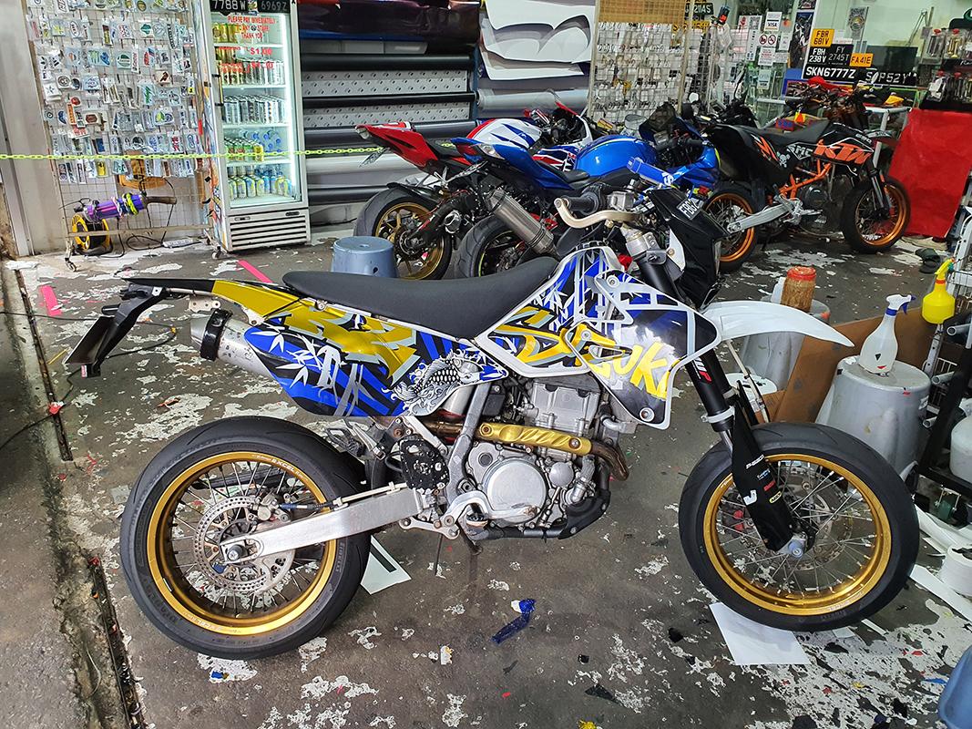Suzuki DRZ Gold Design